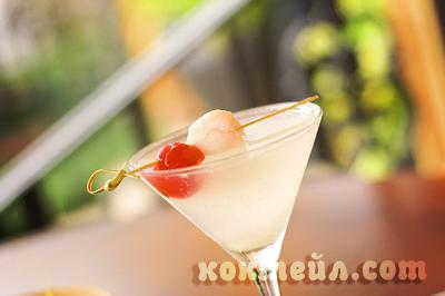 коктейл Саке-тини